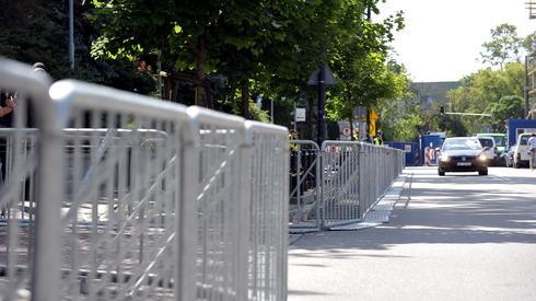 Już 14 lipca policja odgrodziła barierkami teren Sejmu.