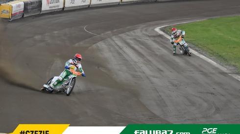 Gospodarze na próbie toru. Fot. Falubaz.com