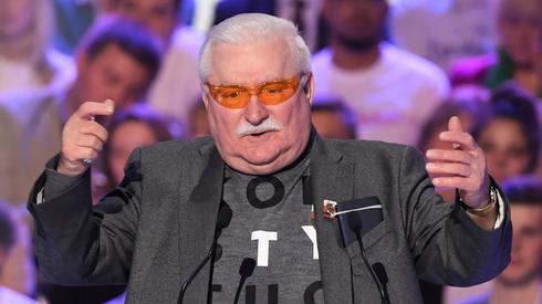 Lech Wałęsa przemawia podczas konwencji wyborczej KO. Fot. PAP/Radek Pietruszka