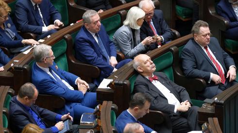 Trwa posiedzenie Sejmu. Posłowie słuchają debaty / fot. Mateusz Marek, PAP