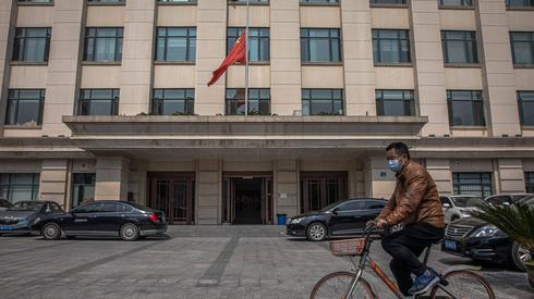 Według oficjalnych danych w Wuhanie od kilku tygodni nie notuje się prawie żadnych nowych zachorowań na COVID-19