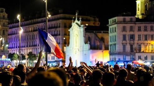 Niesamowita fiesta w Marsylii (fot. AFP)