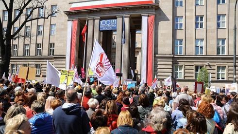 Manifestacja przed siedzibą MEN / fot. Rafał Guz, PAP