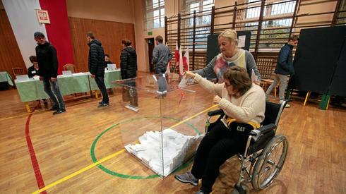 Obwodowa Komisja Wyborcza nr 14 w Kielcach (Pawel Malecki / Agencja Gazeta)