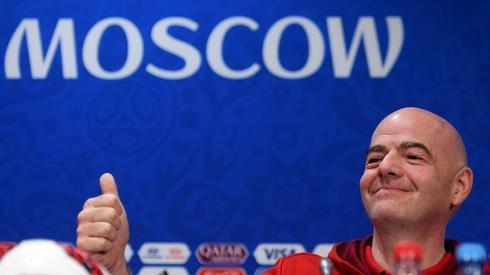 Gianni Infantino na dzisiejszej konferencji FIFA (fot. AFP)