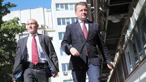 Mariusz Błaszczak przed spotkaniem przy Nowogrodzkiej. Fot. Wojciech Olkuśnik/ PAP