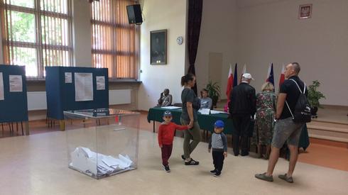 Lokal wyborczy w woj. świętokrzyskim (fot. Onet/ P. Rogoziński)