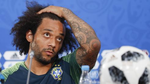 Ostatnie poprawki fryzury i Brazylia dziś wkracza do gry. Canarinhos zagrają o godzinie 20 w Rostowie ze Szwajcarią (fot. PAP/EPA)