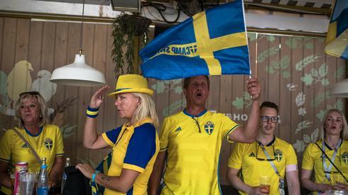 Fanów ze Szwecji też na tym meczu nie zabraknie (fot. PAP/EPA)