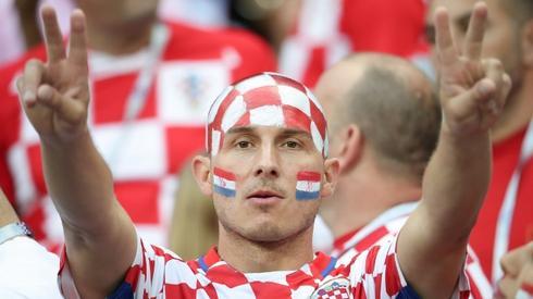 Chorwaccy kibice są bardzo barwni (fot. AFP)