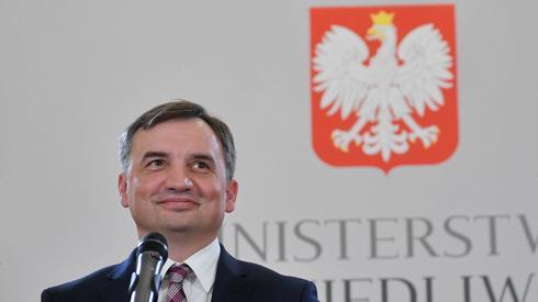 Zbigniew Ziobro podczas konferencji w siedzibie resortu. Fot: Radek Pietruszka/PAP