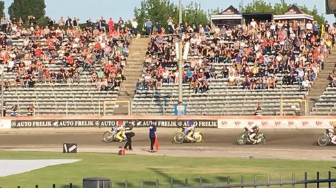 Bjerre dość pewnie zwyciężył w swoim wyścigu!