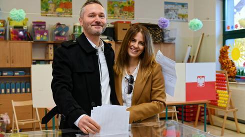 Jarosław Wałęsa z żoną zagłosowali w Gdańsku (Fot. Adam Warżawa/PAP)