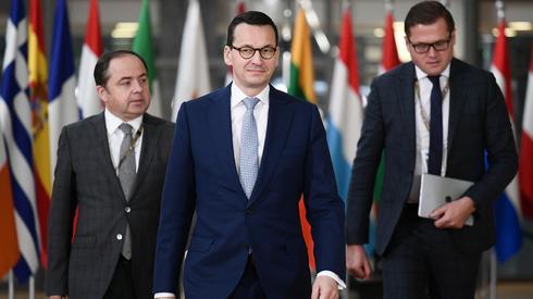 Premier Mateusz Morawiecki w drodze na szczyt