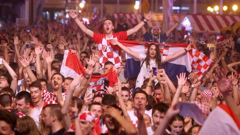 Po pokonaniu Argentyny na ulicach Zagrzebia zapanowała euforia (fot. PAP/EPA)