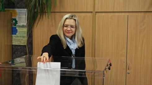 Małgorzata Wassermann oddała swój głos w Krakowie (Fot. Jan Graczyński/PAP)