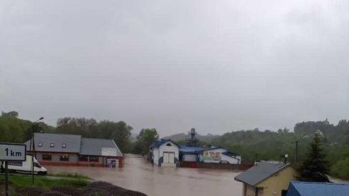 Powódź na rzece Biała. Ciężkowice, powiat tarnowski (fot. Jan Motyka)