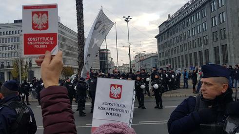 Kontrmanifestacja na trasie Marszu Niepodległości