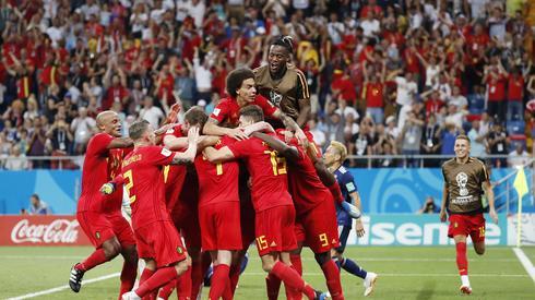 Radość Belgów po golu na 3:2 była niesamowita (fot. PAP/EPA)