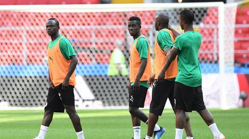 Trening reprezentacji Senegalu na Otrkrytije Arena w Moskwie. Jutro na tym obiekcie Senegalczycy zmierzą się z Polakami (fot. PAP/EPA)