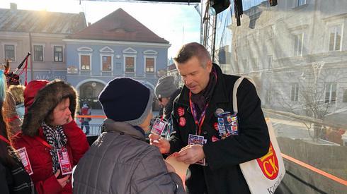 Bogdan Wenta od rana zbiera pieniądze dla WOŚP. O godz. 18 w Kieleckim Centrum Kultury rozpocznie się koncert połączony z licytacjami. Będzie tam można wylicytować dzień w fotelu prezydenta Kielc.