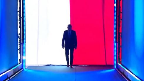 Andrzej Duda wchodzi na scenę