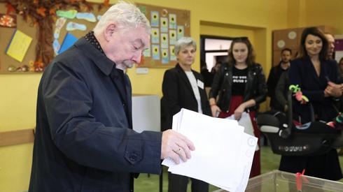 Podobnie zrobił Jacek Majchrowski (Fot.Jan Graczyński/PAP)