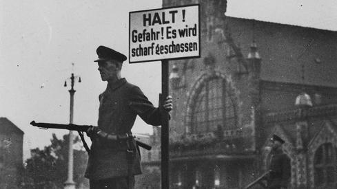 Dworzec Główny w Gdańsku obsadzony przez hitlerowców - 1 września 1939r.