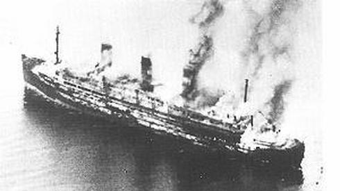 "Płonący statek ""Cap Arcona"". Fot. PAP"