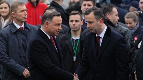 Andrzej Duda i Władysław Kosiniak-Kamysz przed pomnikiem Wincentego Witosa (fot. PAP)