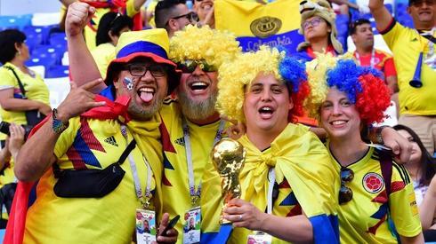 Kolumbijscy kibice bawią się na stadionie w Samarze (fot. AFP)