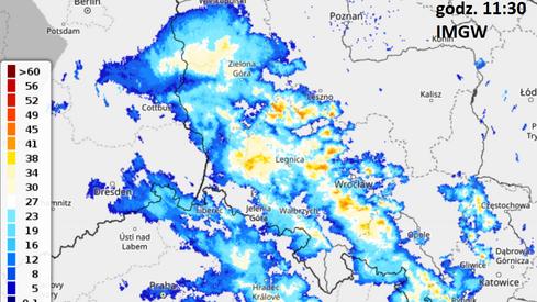 Strefa opadów i lokalnych burz na południowym zachodzie Polski