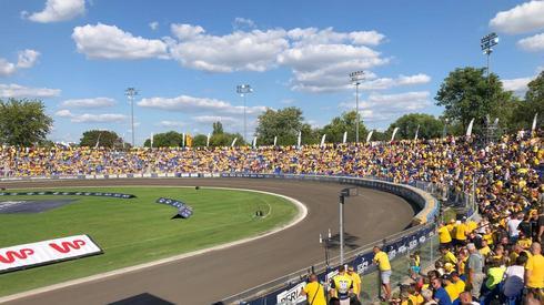 Stadion niemalże wypełniony po brzegi!