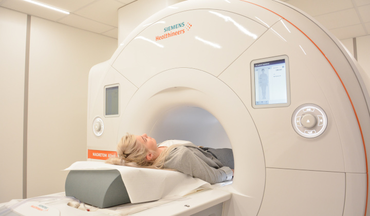 Rezonans magnetyczny dłoni