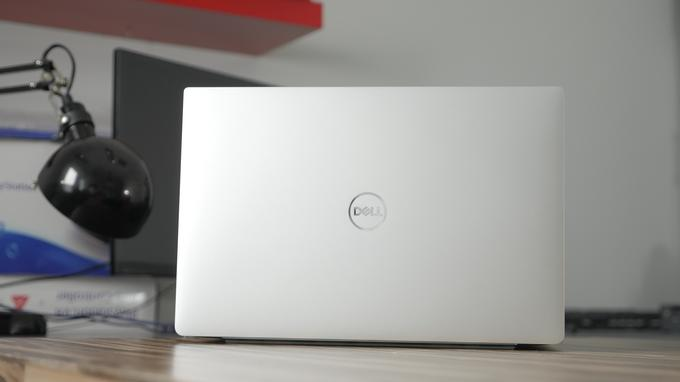 Dell XPS 13 9370 tył