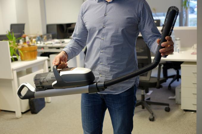 Wyciągnięta rura odkurzacza bezprzewodowego Electrolux Pure F9