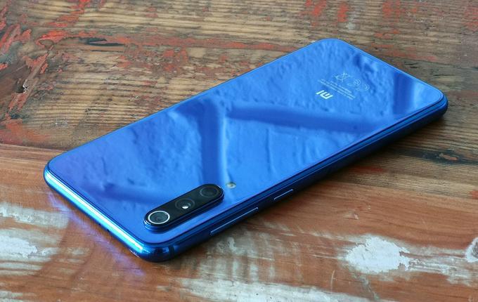 Xiaomi Mi 9 SE tył