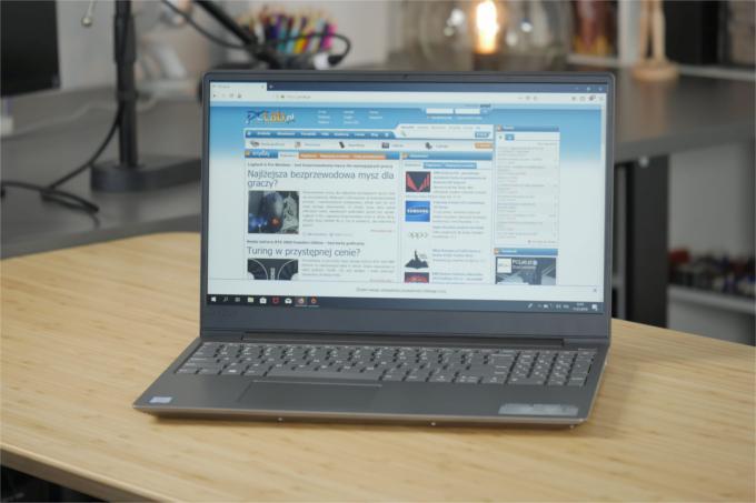 Cienki laptop Lenovo za około 3500 zł