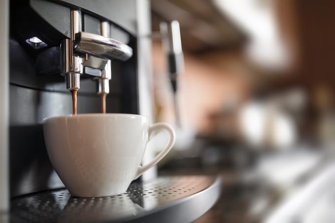 Filiżanka w ekspresie do kawy