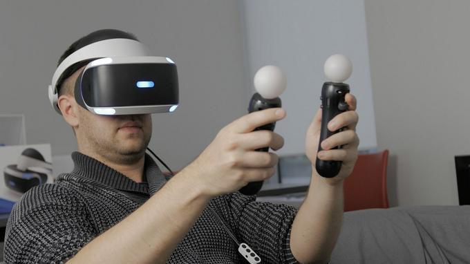 PlayStation VR z kontrolerami Move