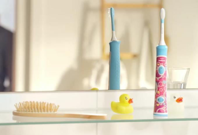 Szczoteczka soniczna Philips Sonicare for Kids w łazience