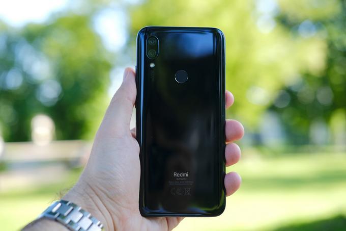 Xiaomi Redmi 7 tył