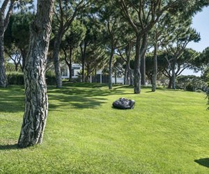 husqvarna automower najlepsza pomoc przy koszeniu trawnika. Black Bedroom Furniture Sets. Home Design Ideas