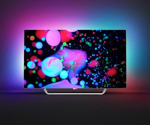Philips OLED 9002: Android Smart TV z technologią Ambilight