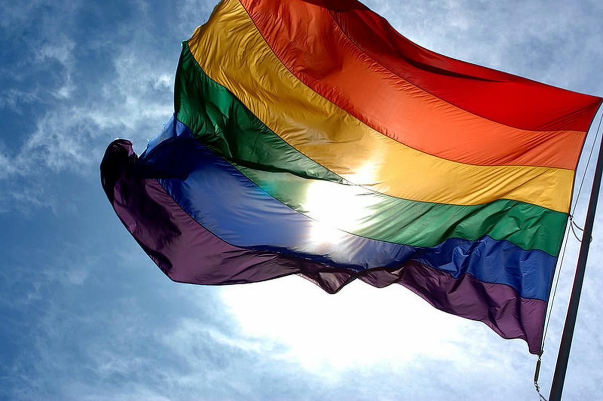 UN STANDARDI Evo sta preduzece treba da uradi da bi se zastitila prava LGBT osoba