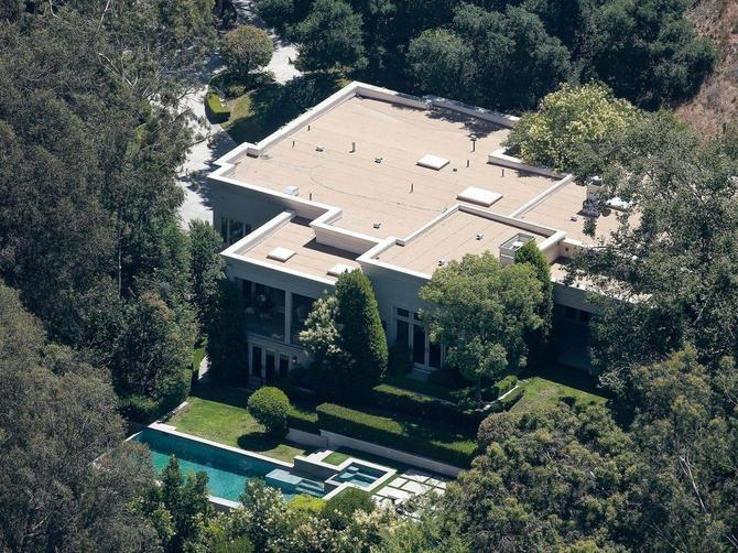 U ovom luksuzu žive holivudske zvezde: Najuticajni par sveta nedavno kupio vilu od 26 miliona evra!