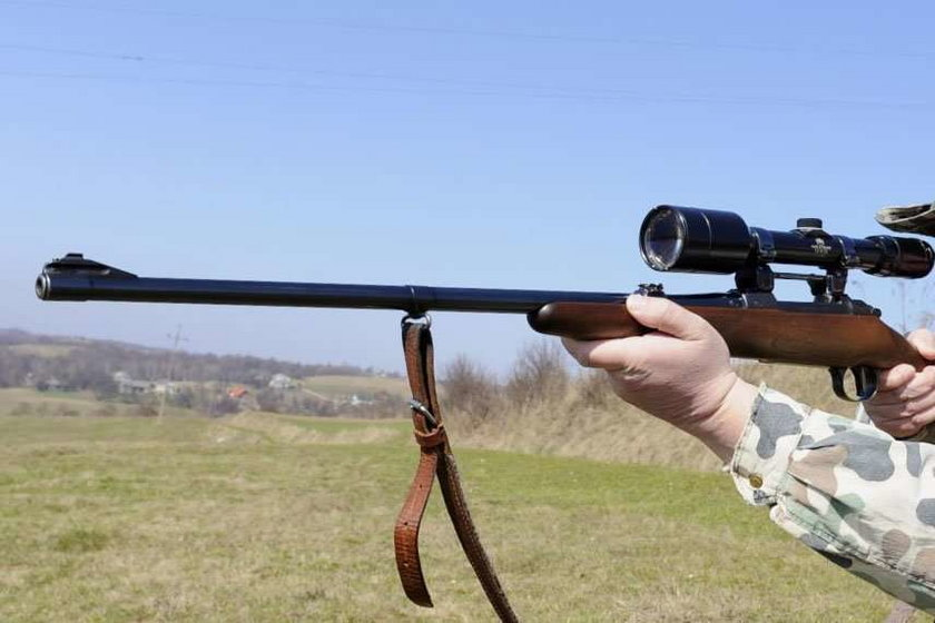 Myśliwy zastrzelił żonę, bo pomylił ją z dzikiem