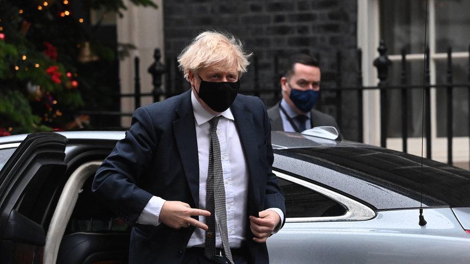 Koronawirus Wielka Brytania Premier Zwoluje Sztab Kryzysowy Wbi