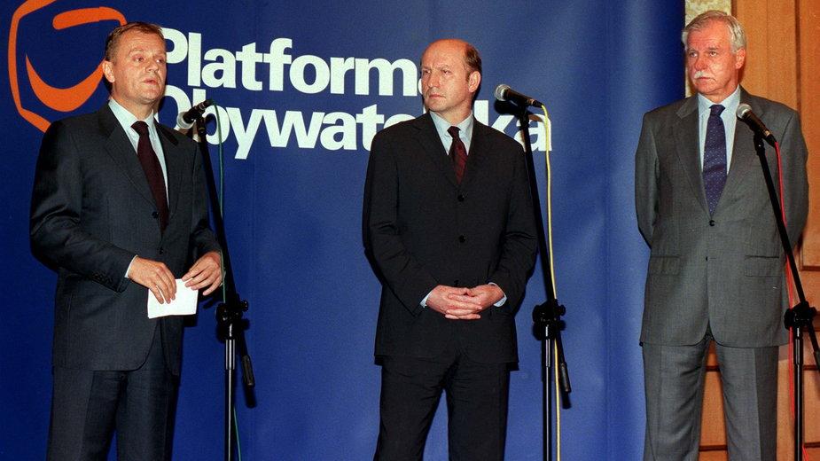 Donald Tusk, Maciej Płażyński i Andrzej Olechowski - założyciele Platformy Obywatelskiej (czerwiec 2001 r.)