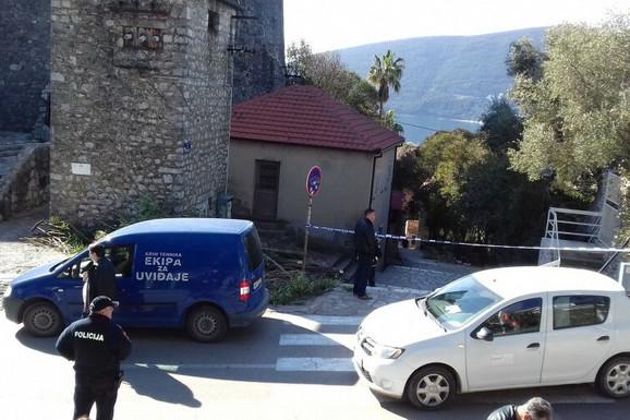 PRONAĐENI PIŠTOLJ I ZAPALJEN MOTOR Nakon ubistva u Herceg Novom saslušano 30 ljudi, policija ČEŠLJA SNIMKE